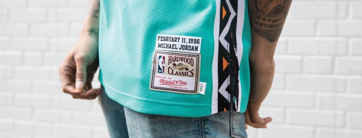 MITCHELL AND NESS - HARDWOOD CLASSIC